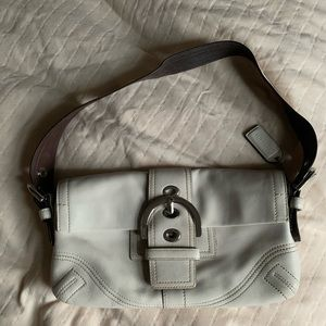 Coach shoulder purse - excellent to like new cond